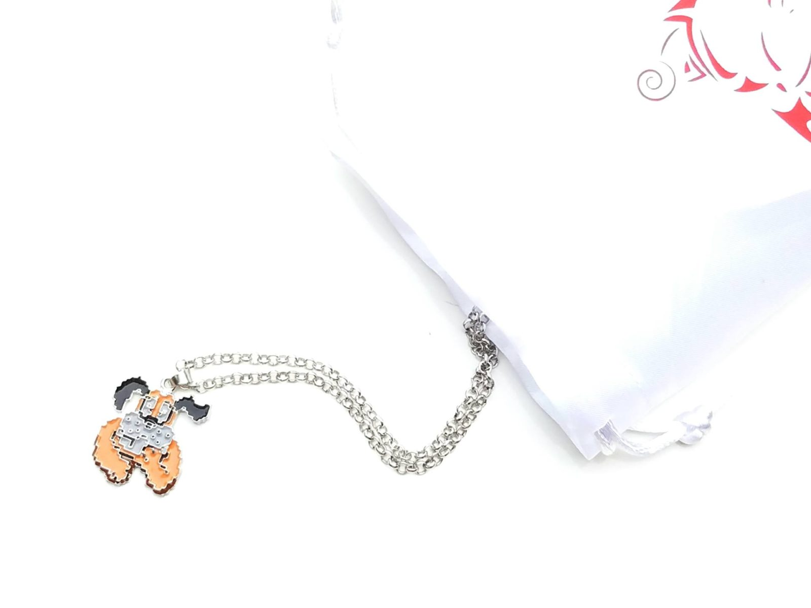 September 2016 gamer girl monthly unboxing duck hunt necklace